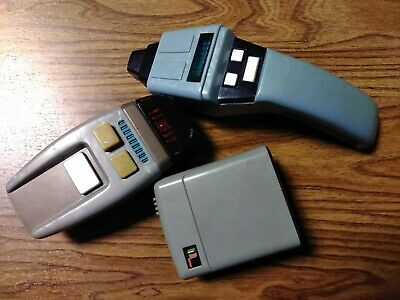 Star Trek The Next Generation Innerspace 2 Phaser Playset  And Tricorder lot of3