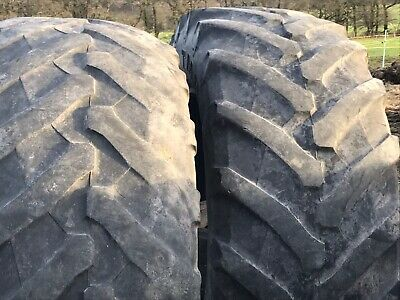 Pair of used rear tractor tyres