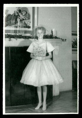Vintage PRETTY BLONDE Snapshot Photo 1950s THAT SPECIAL DAY