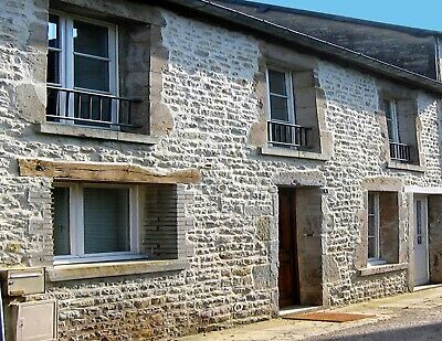 Holiday Cottage, In the Heart of Sainte Mere Eglise, Sleeps 6, 4 Nights France