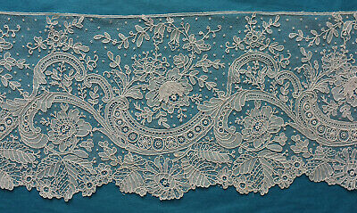 72 cms antique late 19th century Brussels point de gaze lace border