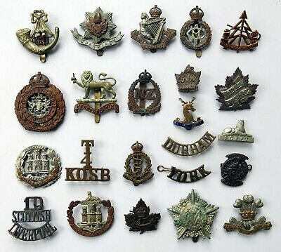 LOT 3: Group of War Related Uniform Badges, Militaria Yeomanry Hussars Medical