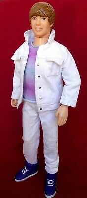 """Justin Bieber 12"""" Singing Doll 2010 Performance Collection-Sings U Smile Song"""