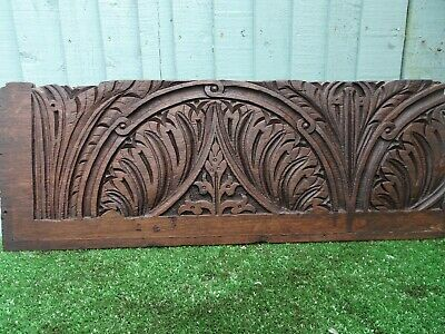 SUPERB 16thC WOODEN OAK PANEL WITH LEAVES & OTHER RELIEF CARVINGS c1580s