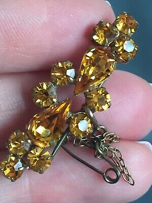 Vintage Art Deco Amber Paste Brooch With Safety Chain