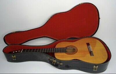 S. Yairi Classical Acoustic Guitar 1975 Natural Model 650 with Hard Case