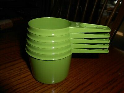 Vintage Set of 5 Lime Apple Green Tupperware Measuring Cups NICE!