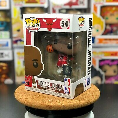Funko POP! Basketball Chicago Bulls Michael Jordan w/ PROTECTOR #54