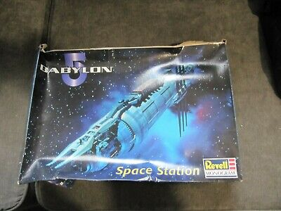 Revell monogram Babylon 5 Space Station, B5 Model Kit