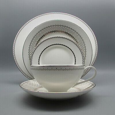 Wedgwood / Martha Stewart FRENCH KNOT SILVER 5pc Place Setting