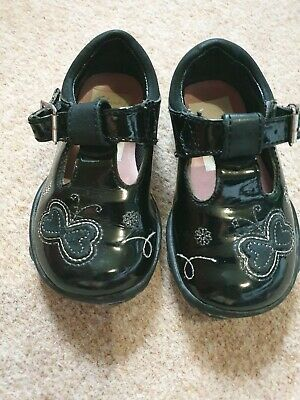 Clarks baby girls black patent size 3 shoes