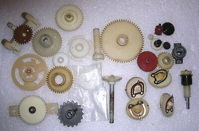 26 Vintage VINTAGE TV Tuner gears and radio pulley From Heathkit/Zenith Admiral