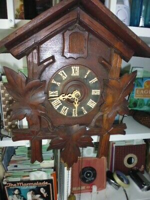 Black forest cuckoo clock fully working large