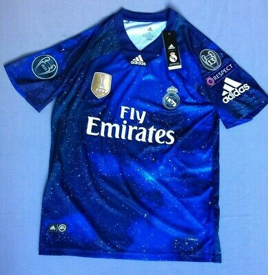 promo code 566f2 cdc7b NEW REAL MADRID Adidas EA Sports jersey #4 Sergio Ramos Champions patches  Medium