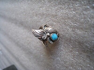 Vintage Native American Navajo Sterling Silver fancy Turquoise ring leaves