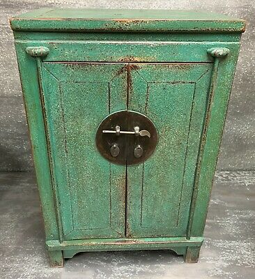 Vintage Chinese Green Lacquered End Table Cabinet With Two Drawers And Two Doors
