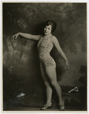 Vintage 1920s Swim-Easy Swimsuits Pin-Up Bathing Beauty Jazzy Fashion Photograph