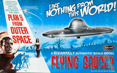 Flying Saucer Plan 9 from Outer Space UFO 1:48 Model Kit Polar Lights POL970