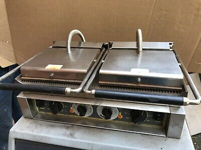 Panini Double Sandwich Clamshell Electric grill Works Well