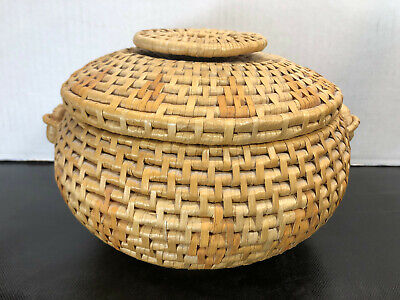 "VINTAGE - Chinese Sewing Basket with Lid - Hand Woven Basket - Natural 10.5""x6"""