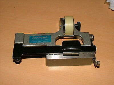 FERRANIA STANDARD REGULAR 8mm TAPE FILM SPLICER #1. Complete with instructions