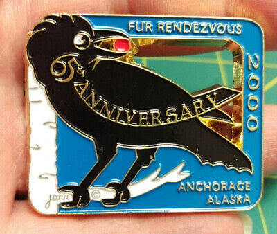 2000 Anchorage Alaska Fur Rondy Rendezvous Collectors Large Pin - Raven  - 65th