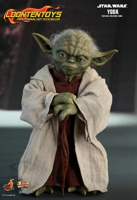 Hot Toys 1/6 MMS495 – Star War Episode II: Attack of the Clones – Yoda