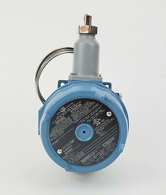 United Electric Temperature Switch E121-2BSB - NEW!
