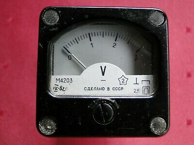 Vintage Soviet Russian USSR Military Small 0-3 DC Volts Voltmeter M4203 Bakelite