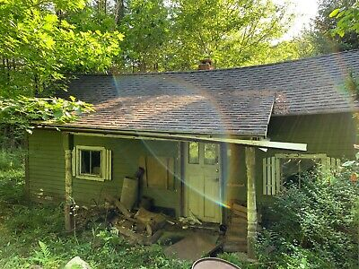 Cabin for sale, walk to lake. In Beautiful West Fairlee, Vermont. On VASA Trail