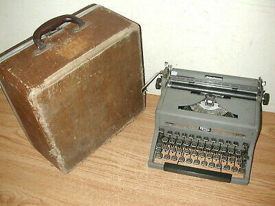 Vintage 1950S Royal Quiet Deluxe Portable Gray Manual Typewriter With Hard Case