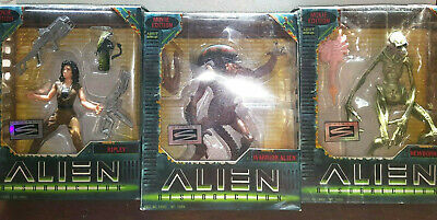 Ripley Newborn & Warrior Kenner Alien Resurrection Action Figure Lot new movie
