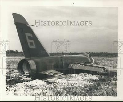 1967 PRESS PHOTO Auto Accident Death By The Highway