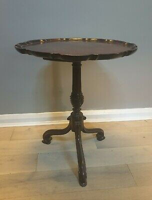 Antique victorian mahogany tilt top table