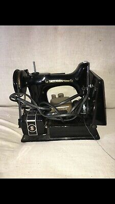 Vintage 1950's Singer 221 Featherweight Sewing Machine With Pedal & Case AK