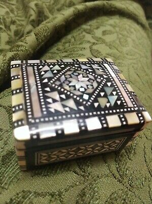 Small Inlayed mother of pearl Vintage Box