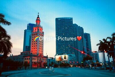 🌺 Digital Picture Image Photo Wallpaper Desktop Screensaver Buildings. (N2)
