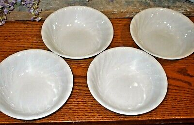 "SET OF 4 Corelle ENHANCEMENTS 5 3/8"" Berry / Dessert Bowls White Swirled Edge"
