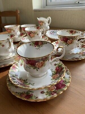 Job Lot Royal Albert China Old Country Roses Crockery Cups Saucers 28 Piece