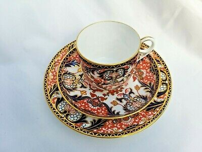 19th C Royal Crown Derby Kings Imari Pattern 383 trio cup, saucer & side plate