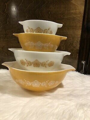 1972 Pyrex Butterfly Gold Cinderella Handle Mixing Nesting Bowls Complete Set