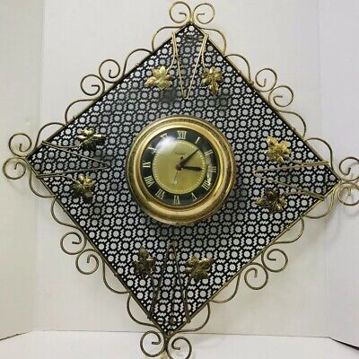 Vintage 1950s United Extra Large Electric Wall Clock Metal Wire Model #350 Works