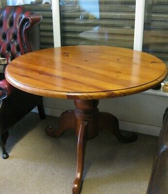 Solid Pine Pedestal Round Table