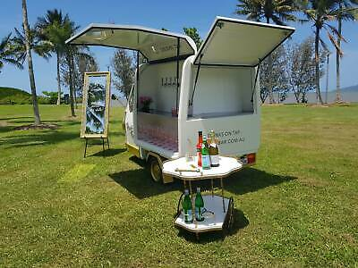 Pint Size -  Italian Piaggio Ape  - 4 Tap Mobile Keg Bar - Busine