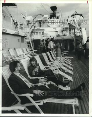 1989 Press Photo Guests on Pride of Mississippi Gambling Ship Boat Deck