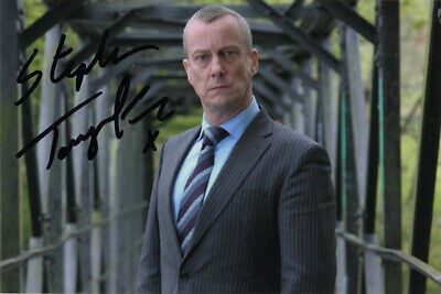Stephen Tompkinson, actor, DCI Banks, signed 6x4 inch photo. COA. Proof.