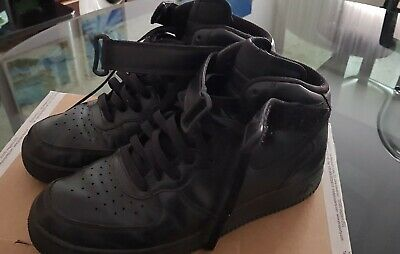 nike air force one nere alte