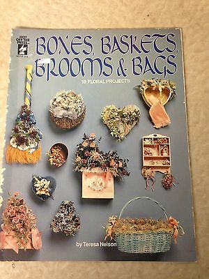 Hot off the Press Boxes, Baskets Brooms and Bags 19 Floral Projects Craft Book