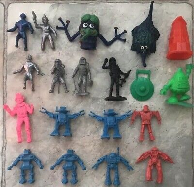 Lot Of Plastic Spacemen,Aliens & Robots from 1960/70's