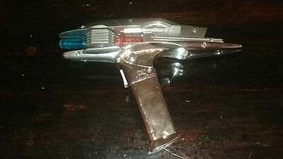 Star Trek Starfleet Phaser Light Up Toy 2009 Playmates Tested Working movie